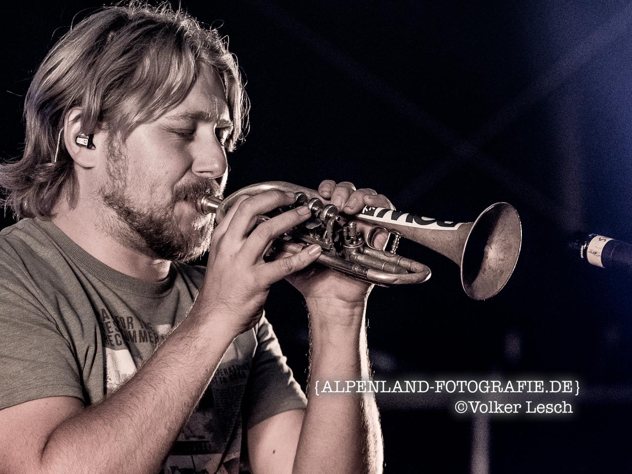 LaBrassBanda, Stefan Dettl