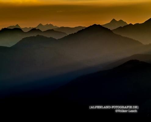 Über dem Inntal im Frühling © Volker Lesch - Alpenland Fotografie